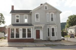 24 North 9th St Indiana PA 15701 B&L Properties Student Housing Front